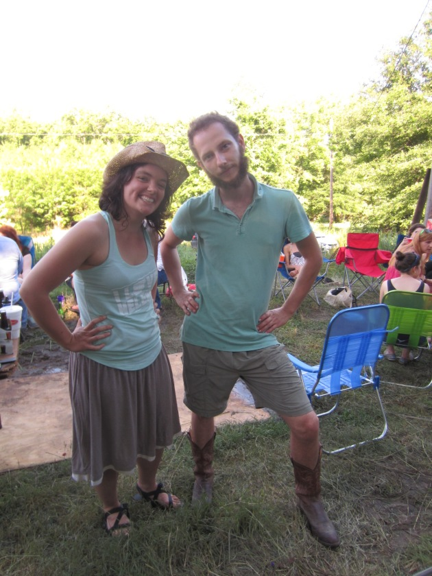 Sean rocked shorts and cowboy boots, and Shannon turned up in an outfit to match.